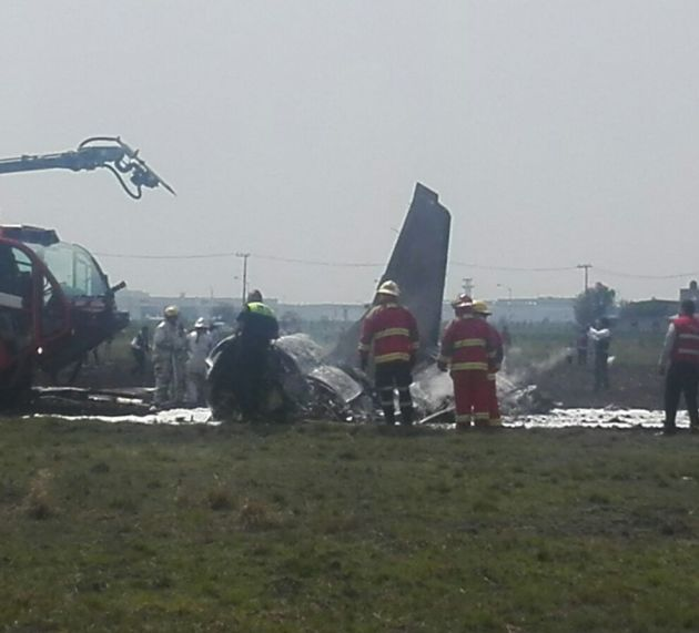 Se desploma avioneta en aeropuerto de Toluca: 2 muertos