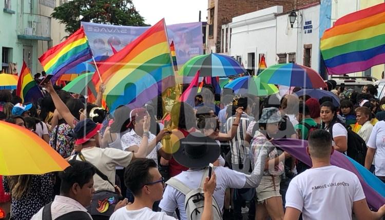 Realizan marcha por el orgullo LGBT+ en Querétaro - AlertaQro