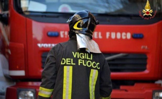 A fuoco un'auto nell'area di sosta Monferrato Ovest sulla A26: si sospetta l'azione di un piromane
