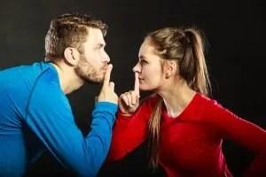 Il silenzio scoppia la coppia