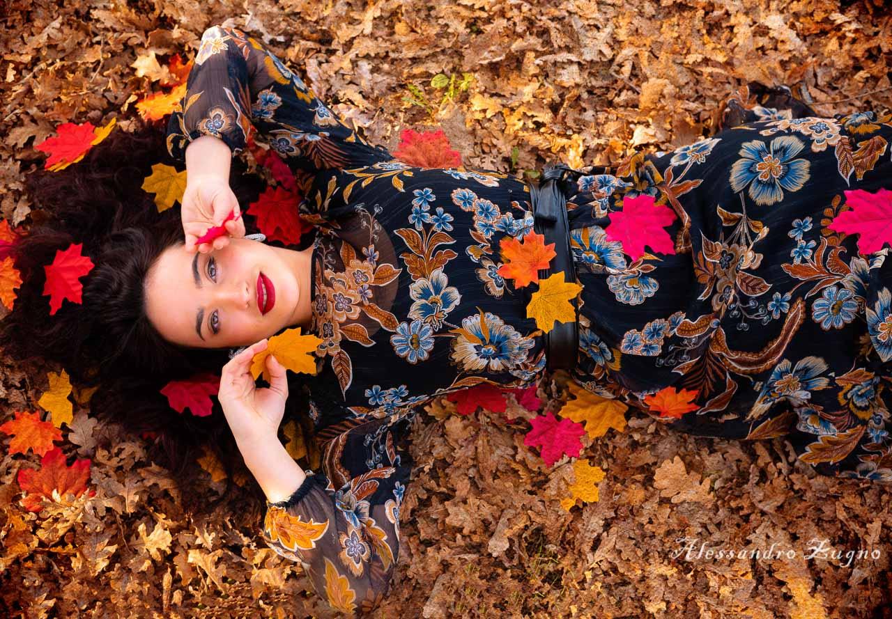 foto autunnale di ragazza al Parco iris