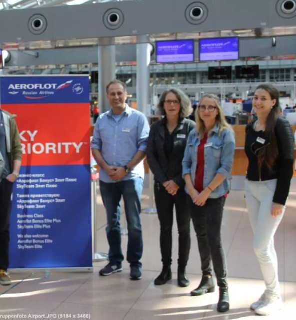 AL.EX Reiseservice Team am Flughafen - Reise nach St. Petersburg