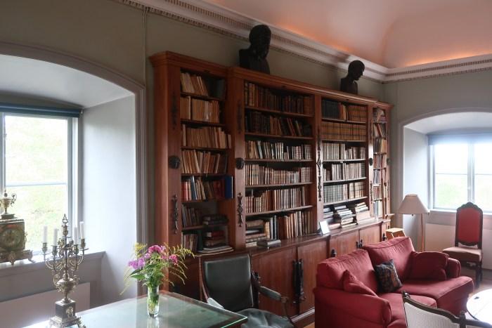 Ulfåsa library