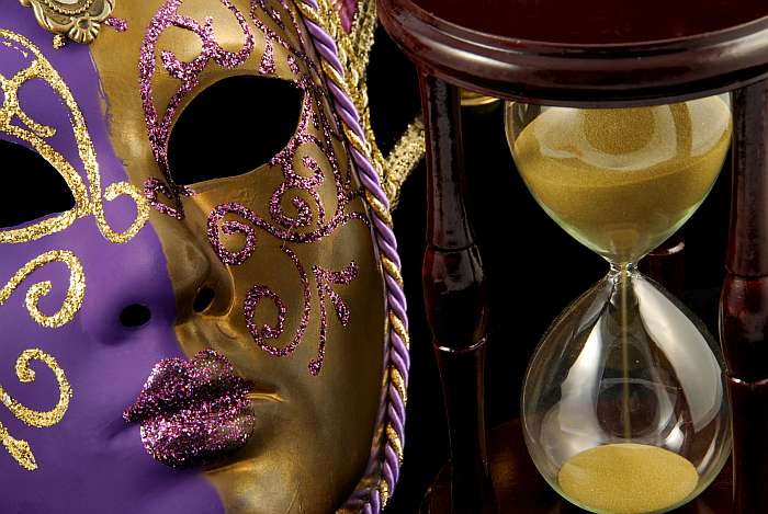 Fotolia 15520591 - Time in disguise