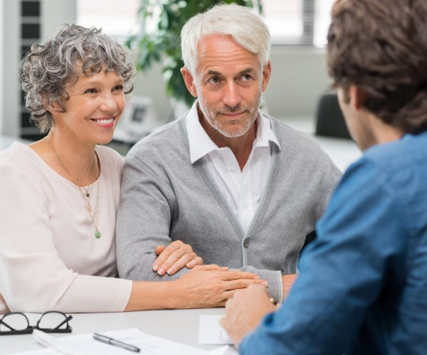 Давно ли вы спрашивали ваших родителей об их деньгах? Думаете, что это неприличный вопрос? Вы не одни так думаете…