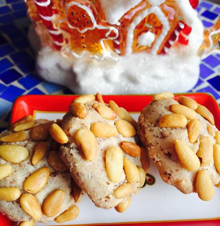 Divine Pignoli Amaretti, Italian Holiday Pine Nut Cookies from Alexandersmom.com