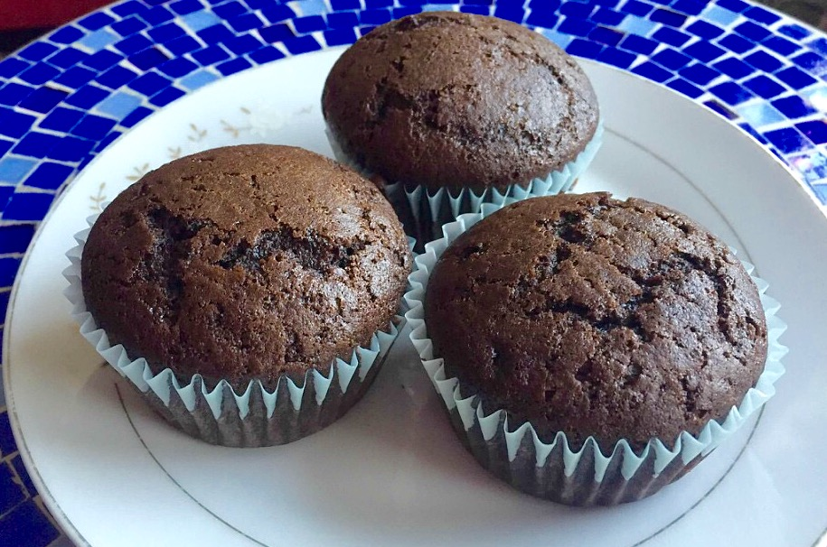 I can't believe these are Vegan! Chocolate Cupcakes from Alexandersmom.com