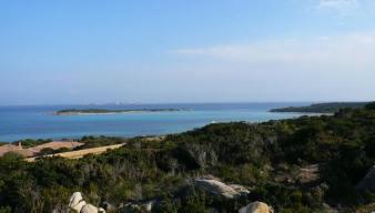 Walking distance to Piantarella beach