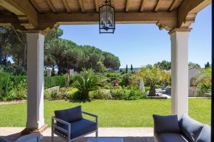 Luxury villas for rent Domaine de la Capilla