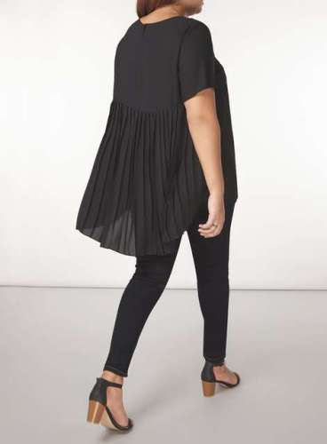 Plus Size Back Pleated Blouse Outfit - Plus Size Fashion for Women - alexawebb.com #alexawebb