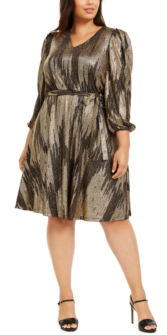 42 Plus Size Holiday Party Dresses with Sleeves - Alexa Webb #plussize #alexawebb