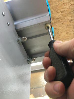 Schiebeschlitten montieren