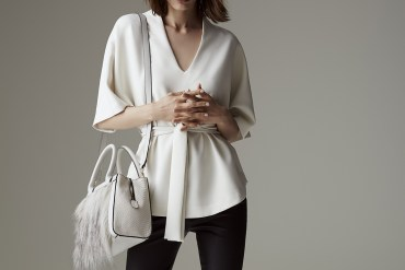 womens black pants with white shirt outfit style