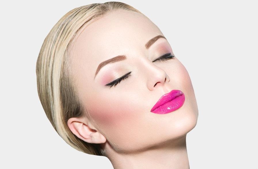 blusher pale skin pink lipstick blonde hair