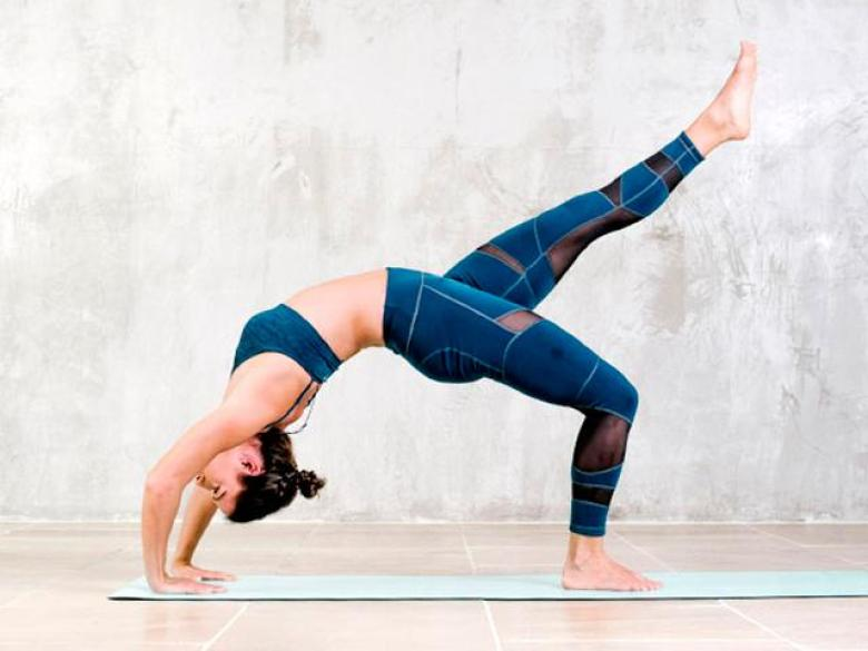 Fit Brit collective founder Brit williams yoga pose