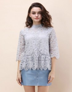 Crochet top with three-quarter sleeves in grey