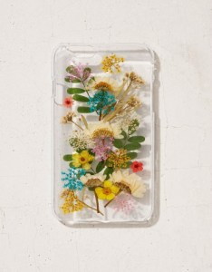Hard-shell protective case with real pressed flowers for iPhone 7