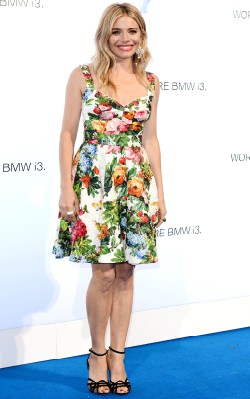 sienna miller wearing floral dress