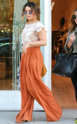 Vanessa Hudgens boho inspiration street style - orange pants