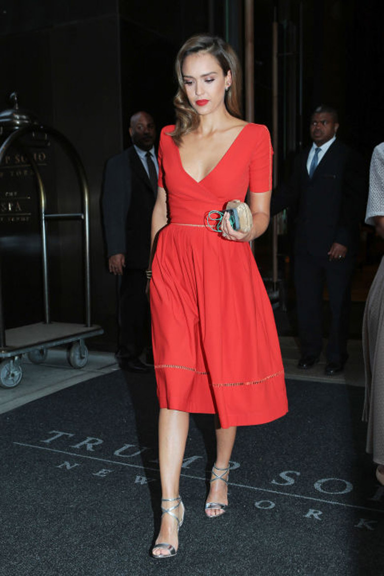 Jessica Alba Red Dress Silver Heels Wedding Guest Dresses Alexie
