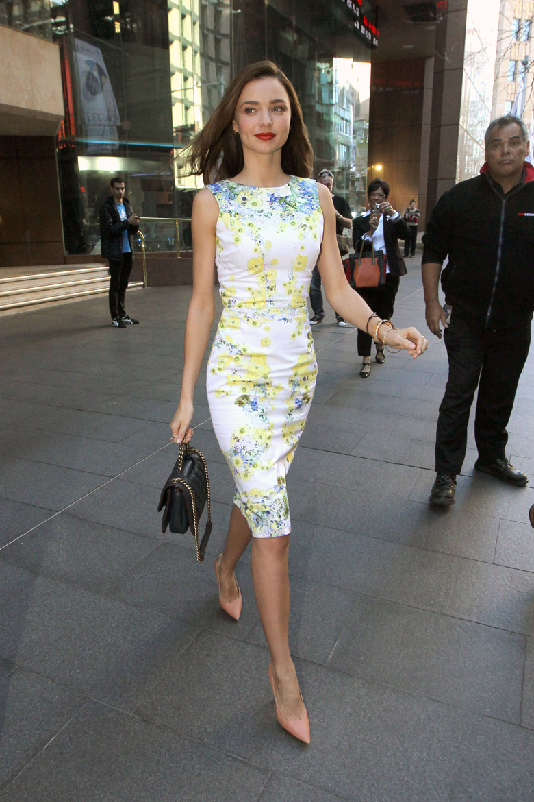 Miranda-Kerr-Cream-Print-Dress-Wedding-Guest-Dresses-Alexie
