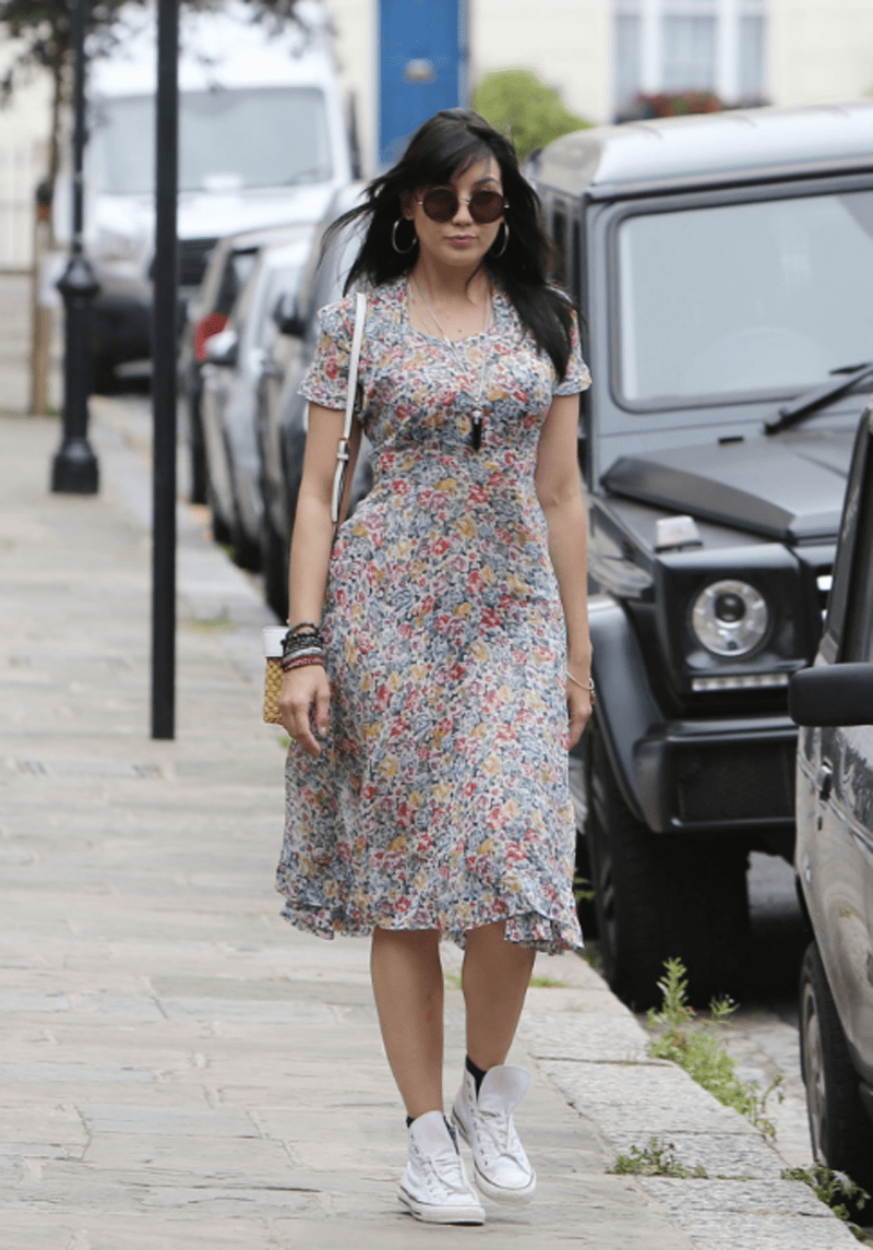 Daisy Lowe Casual day outfit Credit-celebmafia
