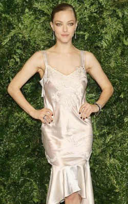 Amanda Seyfried awards fashion style, silver satin dress with silver jewelry - shop the look
