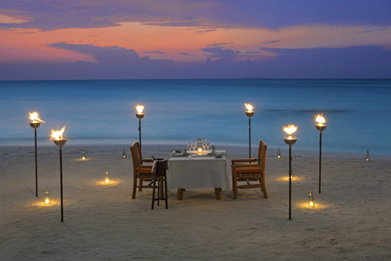 Milaidhoo destination dining at night