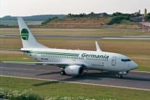 Germania D-AGET auf dem Taxiway zum Vorfeld