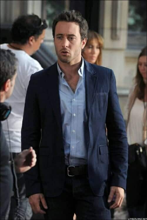 Alex O'Loughlin Looking FINE on the set up The Backup Plan