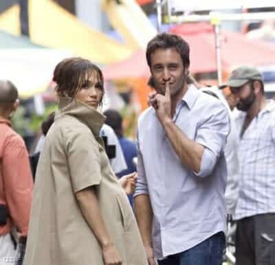 On set of Backup Plan movie - Alex O'loughlin and Jennifer lopez