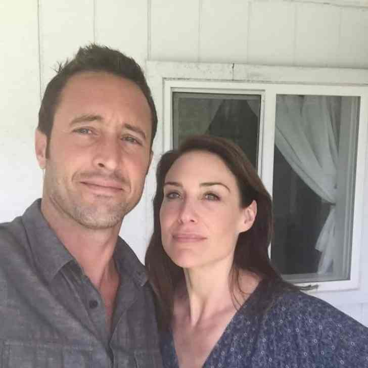 Claire Forlani and Alex O'loughlin BTS