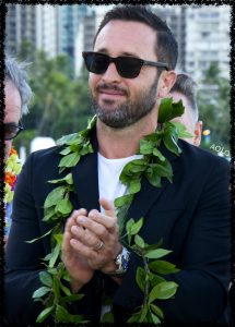 alex o'loughlin clapping