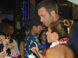 Sunset on the Beach fan experience- alex O'loughlin