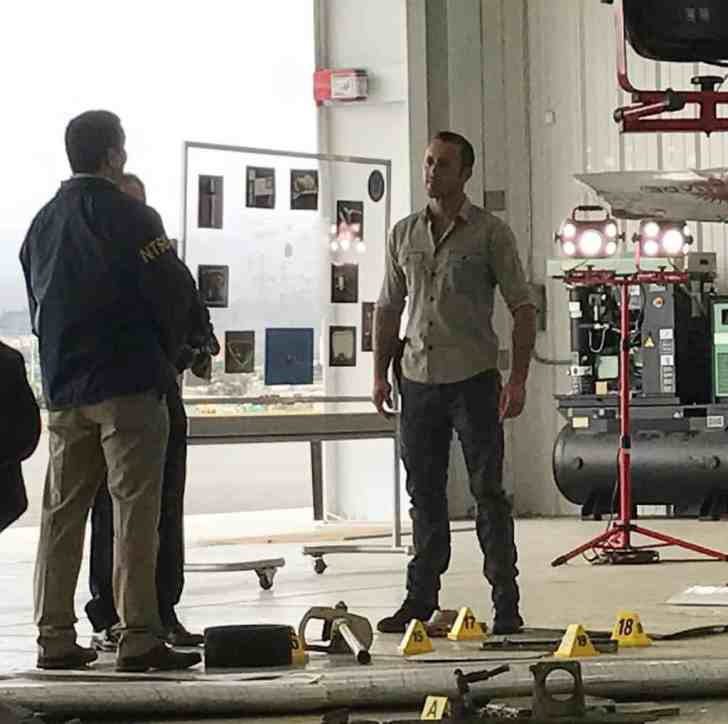 Alex O'Loughlin Behind the scenes at the airport