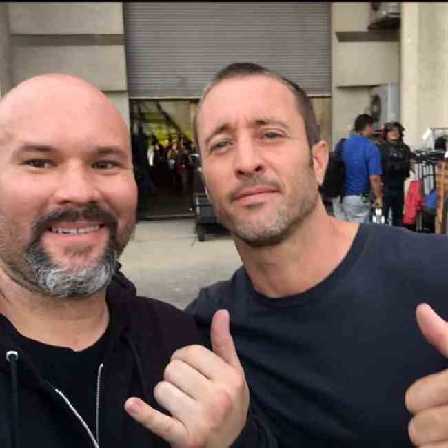 alex o'loughlin selfie on set