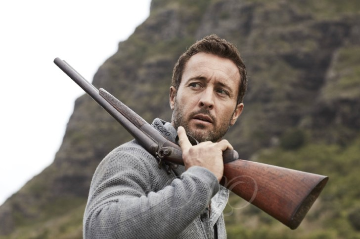 alex o'loughlin photoshoot gun
