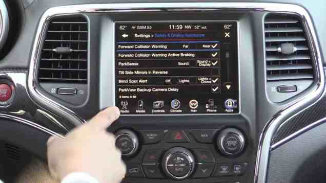 2014 Jeep Grand Cherokee SRT Infotainment Review (2014 uConnect 8.4)