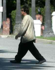 celebrities-wearing-crocs-al-pacino_dwyv1r