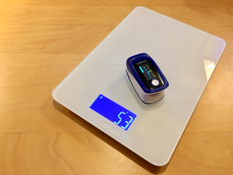 Pulse oximeter on BLE food scale