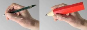 Dik schrijfmateriaal maakt fijne bewegingen van de schrijfvingers onmogelijk.