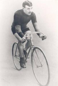 Welke renner wint nog een race op de fiets waarmee Odiel Defraeye in 1912 de Tour won?