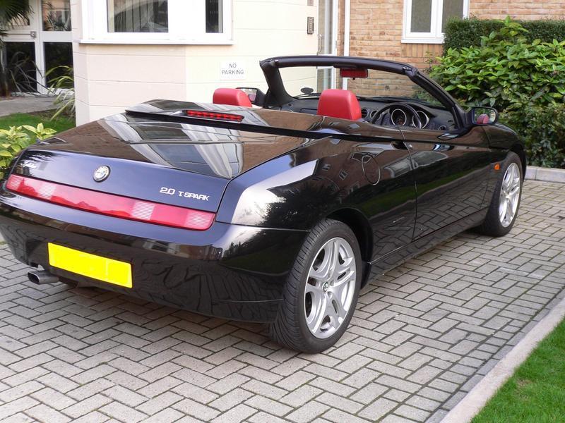 Alfa Romeo Spider 2.0 Twin Spark For Sale