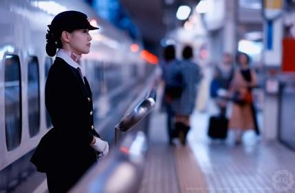 shinkansen-babe_DSC0484_editjuly2011