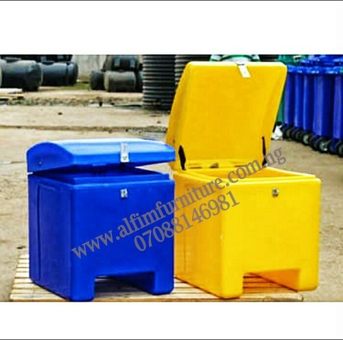 motorbike courier delivery box
