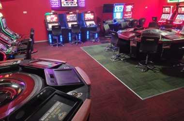 Sala de juegos en Novelda instalacion de suelo