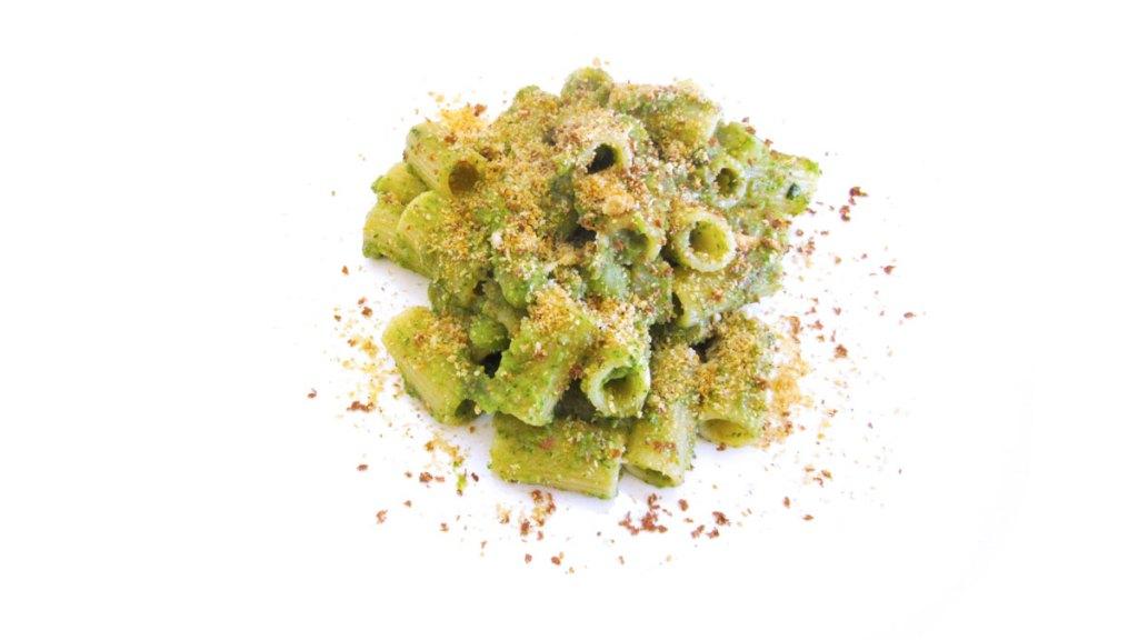 Mezze maniche broccoli, bottarga e briciole