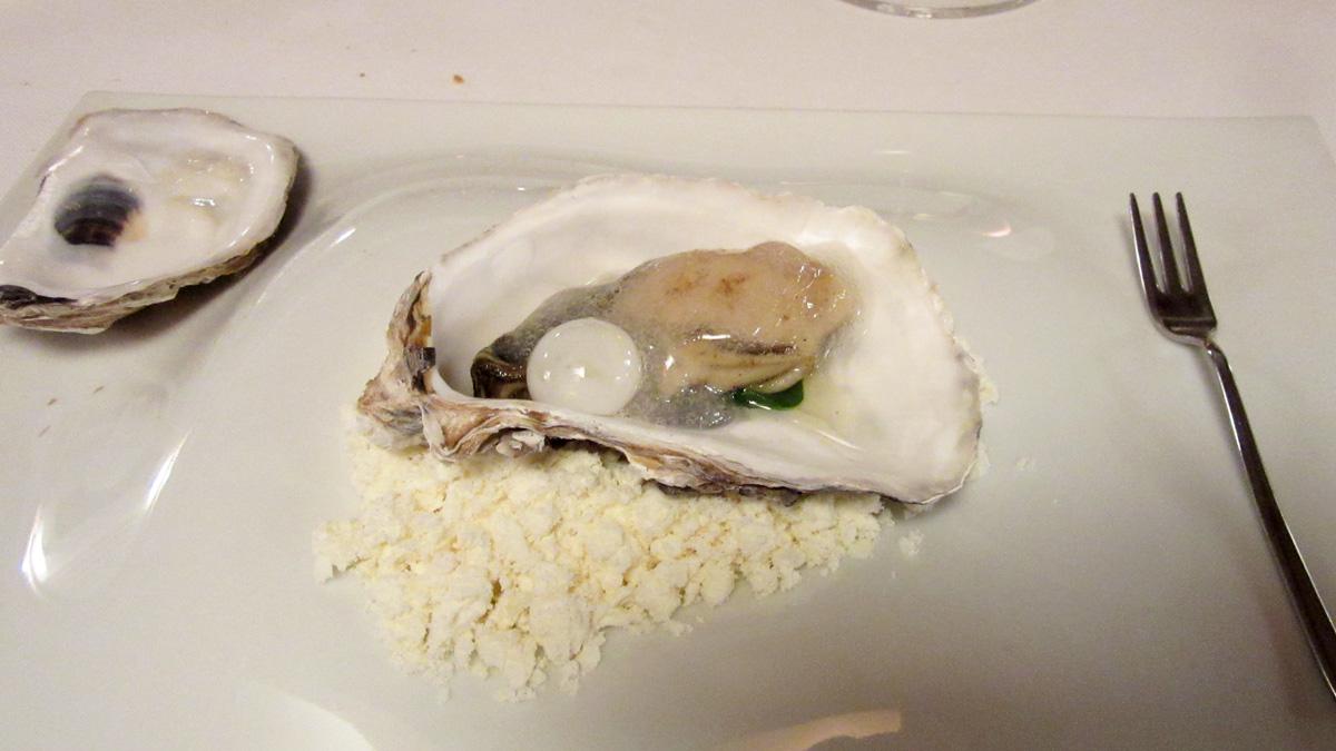 L'ostrica si dà le arie di brace e la sua perla