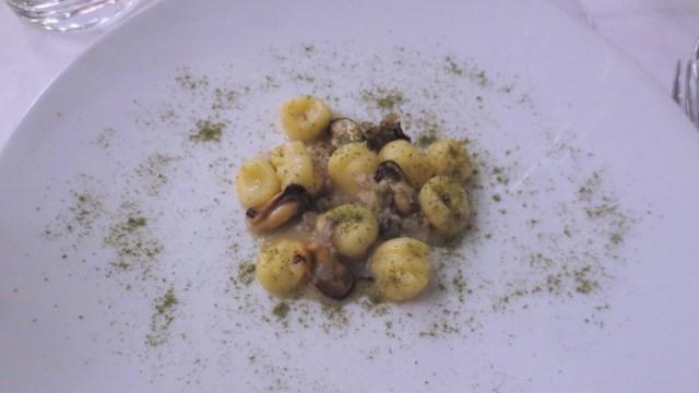 Gnocchi conchiglie e curry d'erbe