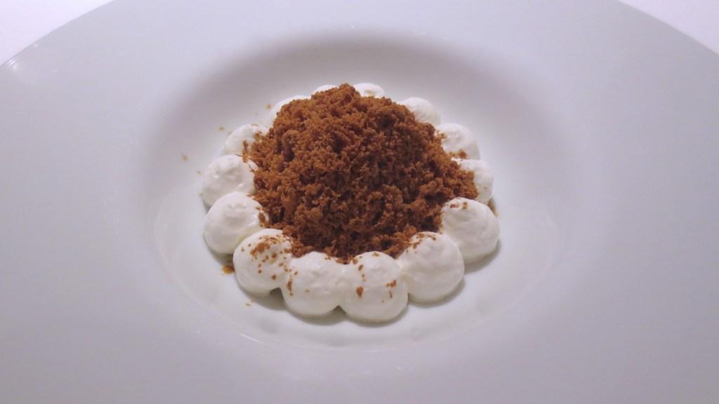 Granita di liquirizia e aceto di vino, cioccolato bianco e aceto balsamico